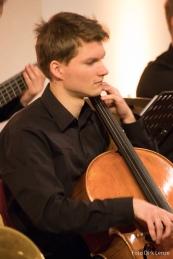 Jonathan Reischel - Violoncello