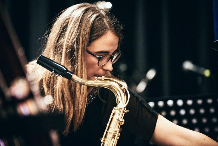 Julia Kriegsmann - Bassklarinette, Tenorsaxophon